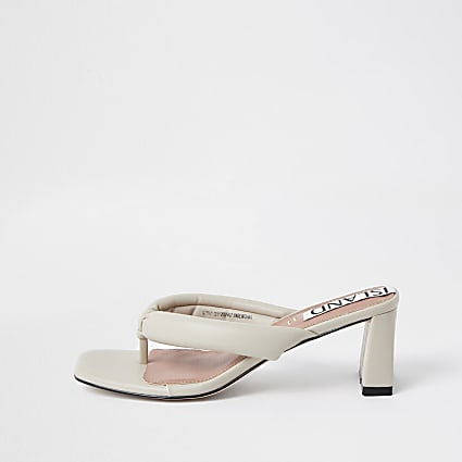 Cream toe thong block heel