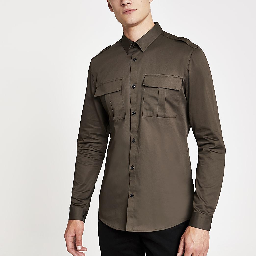 Donkergroen utility overhemd met normale pasvorm