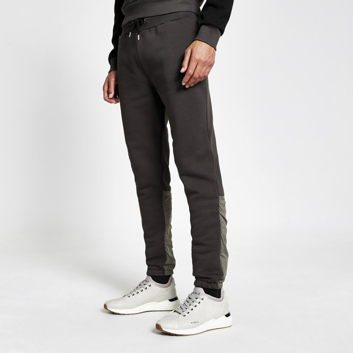 DVSN - Zwarte nylon joggingbroek met kleurvlakken