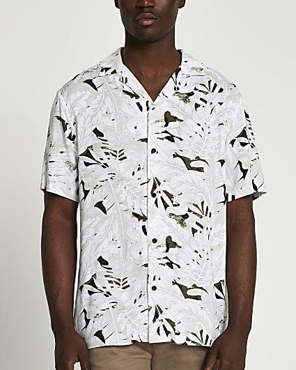 Ecru camo leaf revere short sleeve shirt