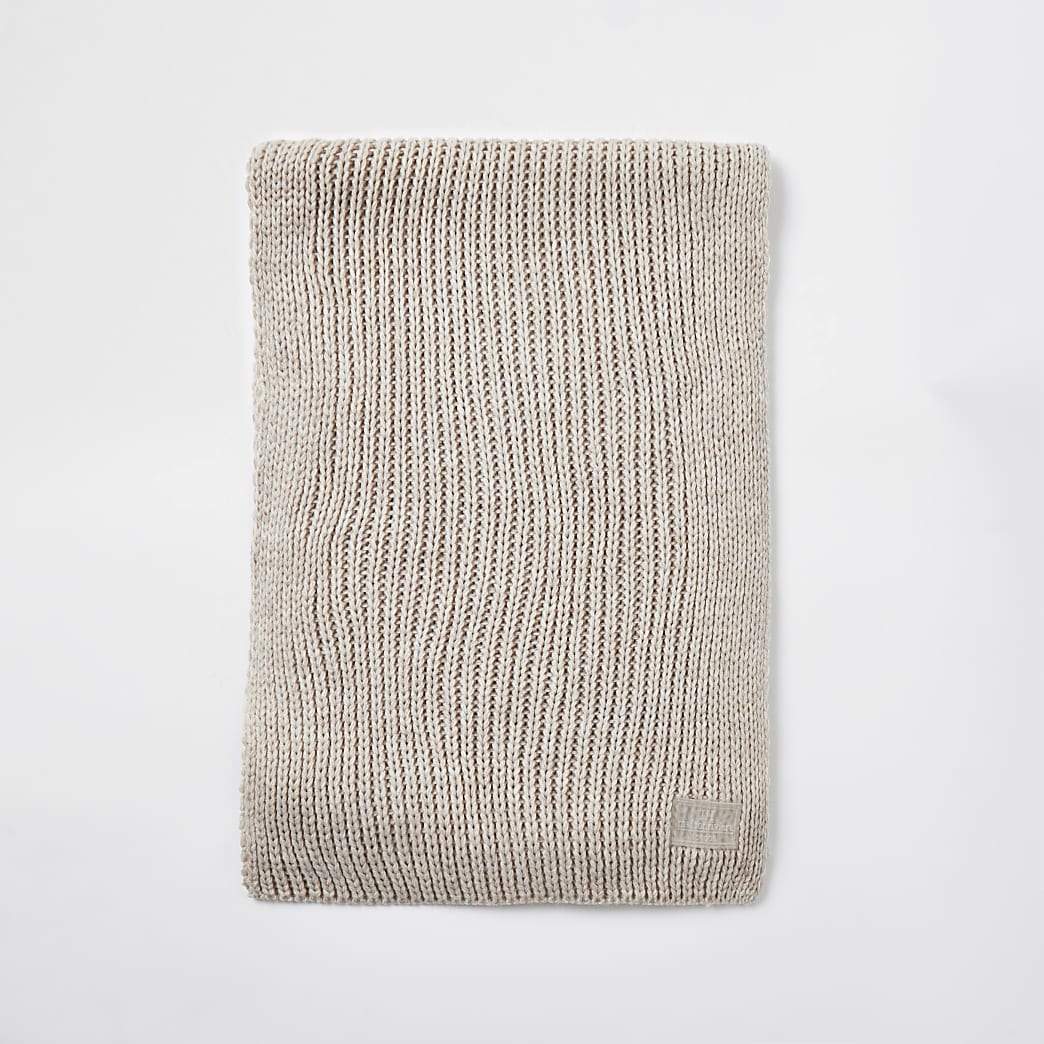 Ecru ribbed knit scarf