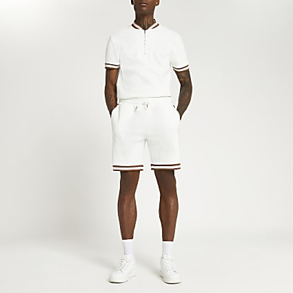 Ecru slim fit fabric block shorts