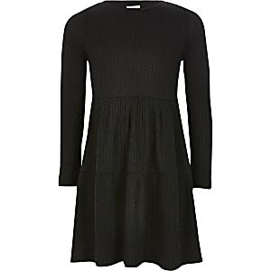 Geripptes Kittelkleid für Mädchen in Schwarz