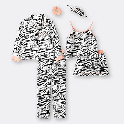 Girls black animal print pyjamas set