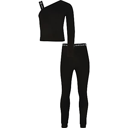 Girls black asymmetric top outfit