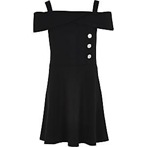 Schwarzes, schulterfreies Skater-Kleid mit Knopfelementen an der Vorderseite