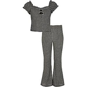 Outfit mit schwarzem Oberteil mit karierten Puffärmel für Mädchen