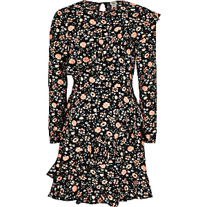 Robe noire fleurie à manches longues et volants pour fille