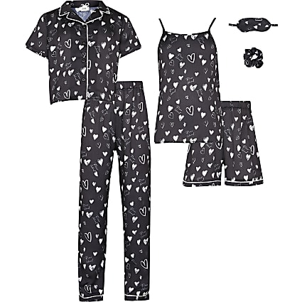 Girls black heart sleepover set