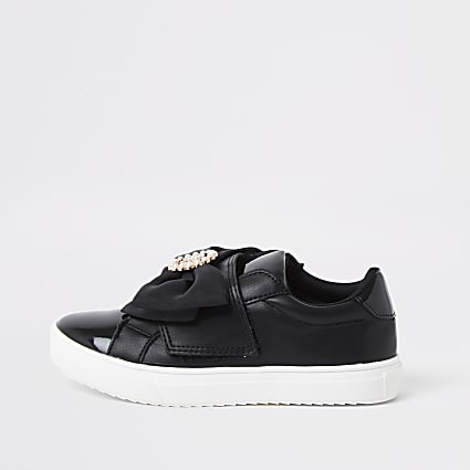 Girls black RI bow trainers