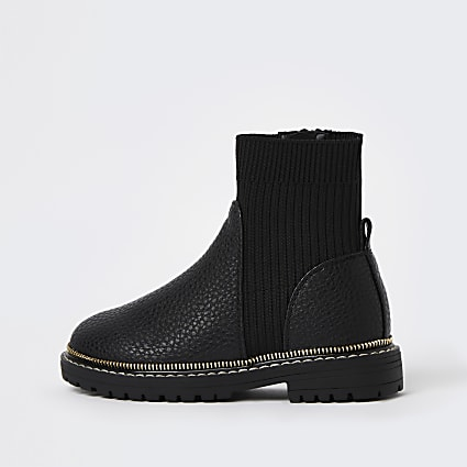 Girls black ribbed chunky ankle boots