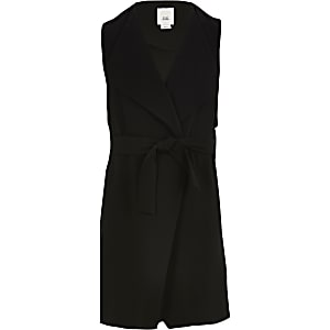 Girls black sleeveless duster jacket