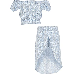 Girls blue heart printed crop top outfit
