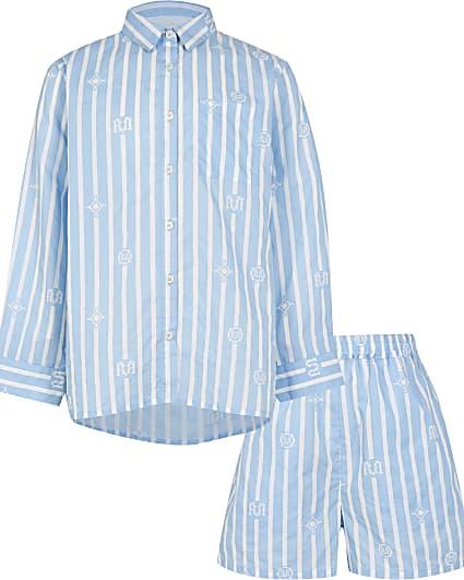 Girls blue shirt and shorts pyjamas set