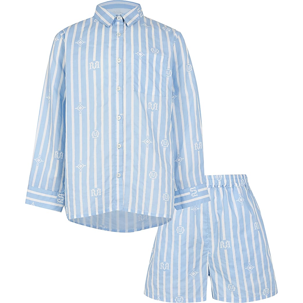 Girls blue shirt and shorts pyjamas set