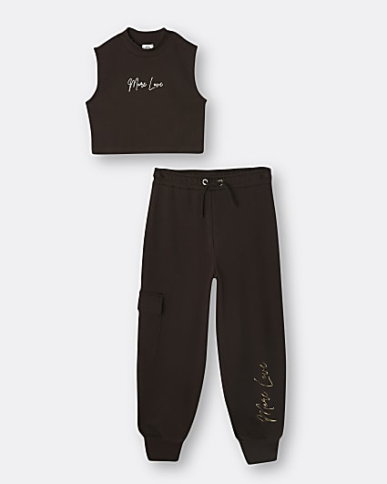 Girls brown crop top and joggers outfit