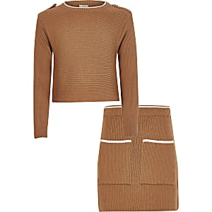 Tenue avec pull en maille côtelée marron pour fille