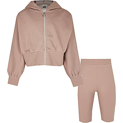 Girls brown zip sweatshirt outfit