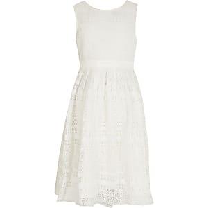 Chi Chi - Witte gehaakte jurk met strik achter voor meisjes