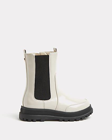 Girls cream patent pull on boots