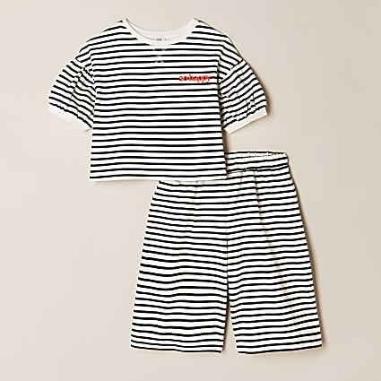 Girls cream stripe t-shirt & shorts outfit