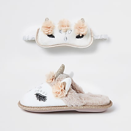 Girls cream unicorn slipper sleep set