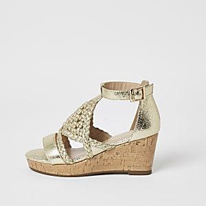 Goudkleurig metallic sandalen met geweven bandjes en sleehak voor meisjes