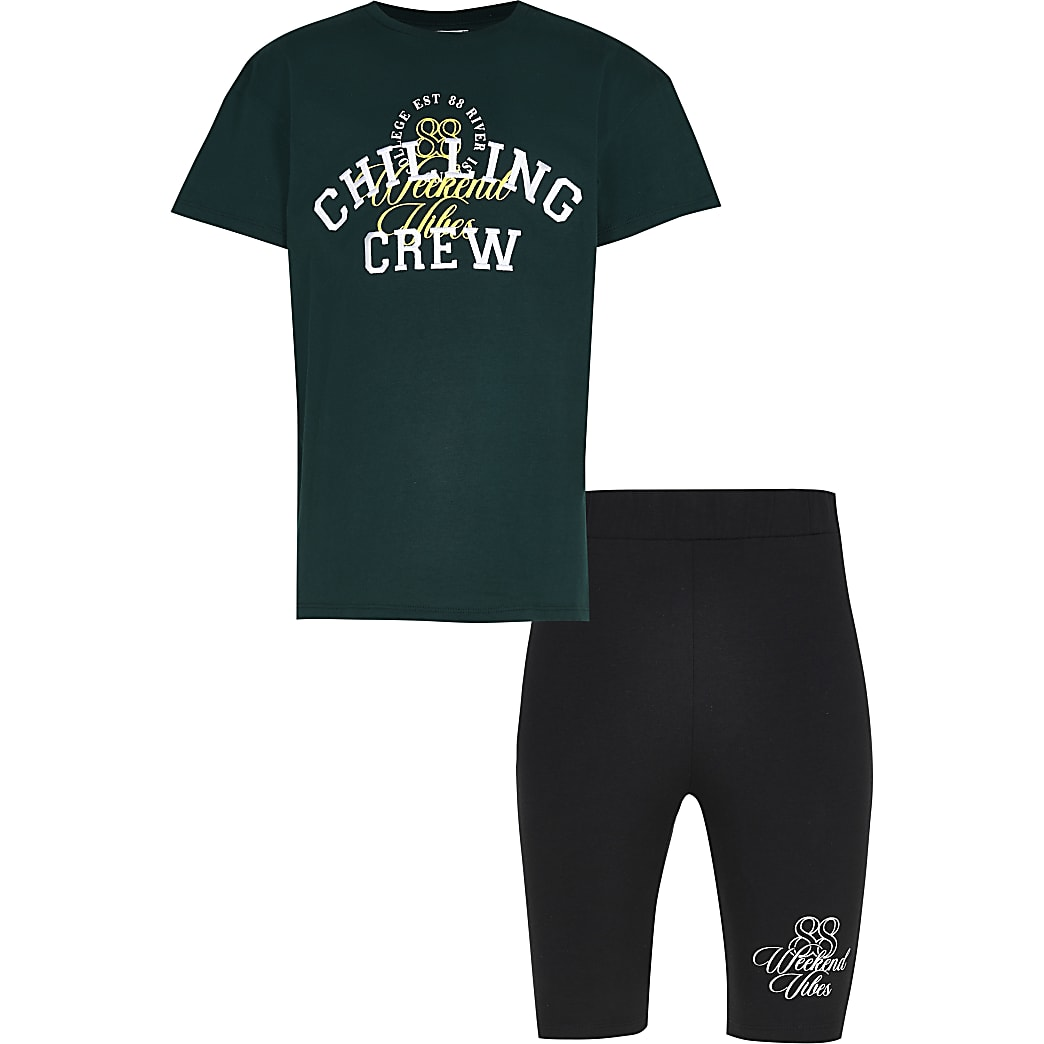 Girls green 'Chilling Crew' t-shirt outfit