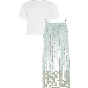 Outfit aus grünem Paillettenkleid und T-Shirt für Mädchen