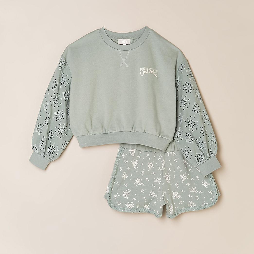 Girls green sweatshirt & shorts outfit