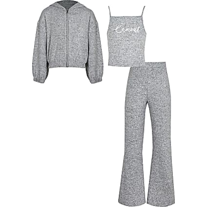 Girls grey cosy hoodie outfit