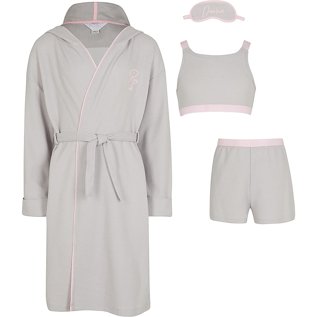 Girls grey gown and pyjama set