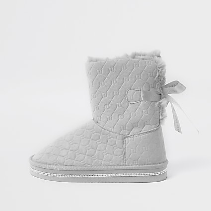 Girls grey RI monogram faux fur boots