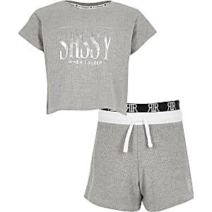 Grijze cropped pyjama's met waffeldessin en 'sassy'-tekst voor meisjes