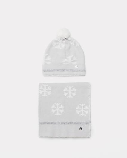 Girls grey snowflake scarf and beanie hat