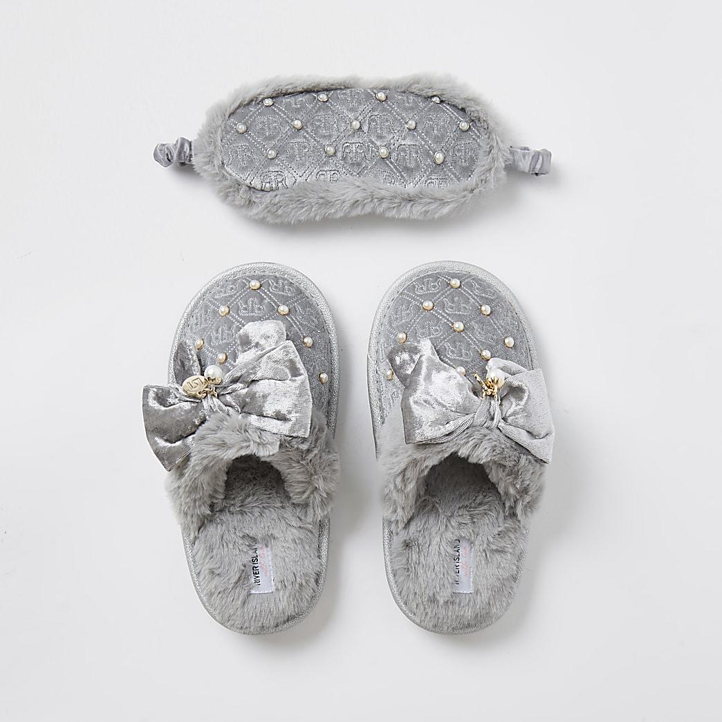Girls monogram bow slippers set