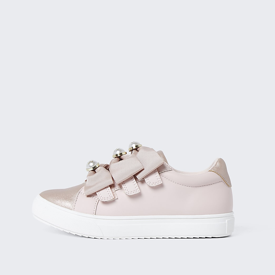 Girls pink bow pearl plimsoles