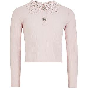 Oberteil aus Rippstrick mit Lochstickereikragen für Mädchen in Pink