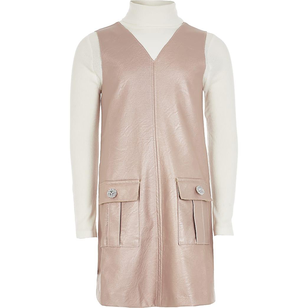 Outfit met roze imitatieleren overgooier jurk voor meisjes