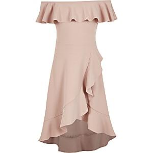 Robe Bardot longue roseà volants pour fille
