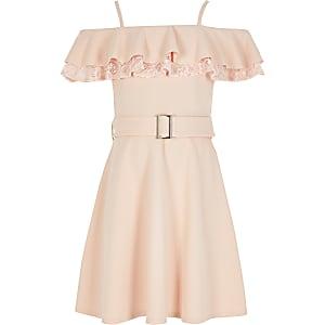 Pinkes Skater-Kleid aus Spitze mit Rüschen und Bardot-Ausschnitt für Mädchen