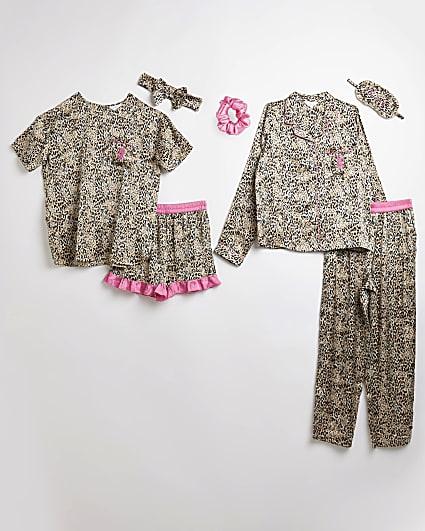 Girls pink leopard print sleepover set
