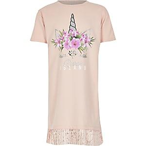 T-Shirt-Kleid in Rosa mit Einhorn-Print