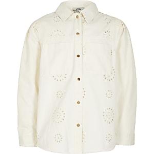 Langärmelige Hemdjacke in Weiß mit Lochstickerei