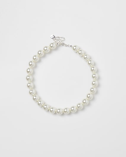 Girls white chunky pearl necklace