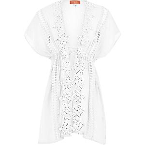 Weißer Kimono mit Strassverzierung