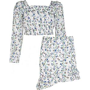 Outfit met witte top met bloemenprint en pofmouwen voor meisjes
