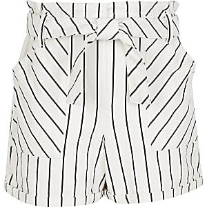 Weiße, gestreifte Paperbag-Shorts für Mädchen