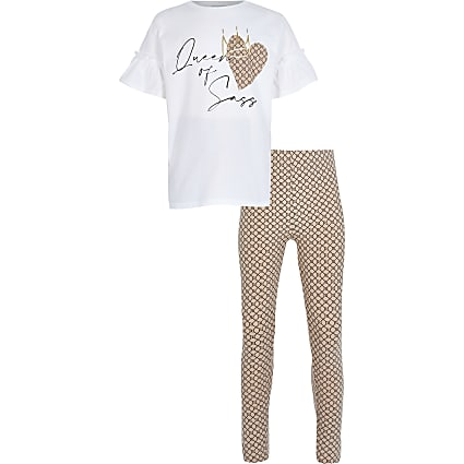 Girls white t-shirt and legging outfit