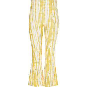 Schlaghose mit gelbem Batikmuster